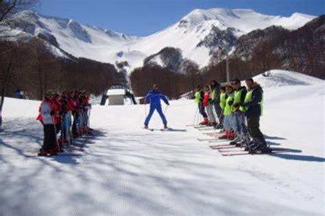 monte sirino web sciare in basilicata il sirino agriturismoparcoverde it