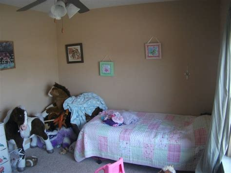 normal bedrooms it started as a little girl s very normal bedroom wait