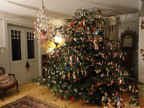 Decorated Homes Pictures christmas tree illuminated with real candles