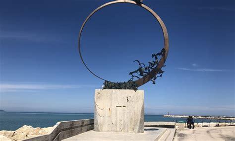 il gabbiano jonathan livingston personaggi l gabbiano jonathan livingston monumento alla libert 224