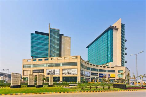 crowne plaza hotel crowne plaza greater noida images