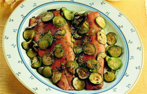 cucinare la trota salmonata ricetta trota salmonata con zucchine le ricette de la