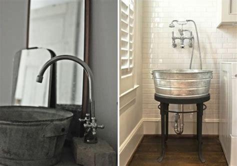 Idea For Bathroom Decor utilizar cubos como picas de lavabo vintage decorar hogar