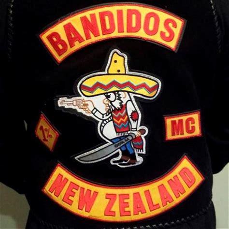 gang members defect  bandidos set   south otago