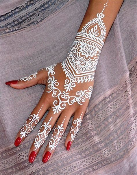 henna tattoo hand bielefeld white henna design done by shraddha tatooooo