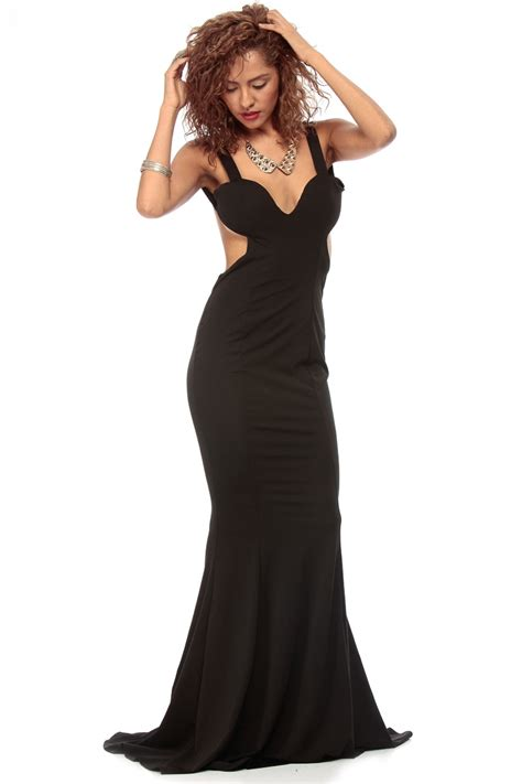Black Plunging Low Back Mermaid Tail Maxi Dress