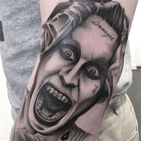 joker tattoo black and grey tatouage joker