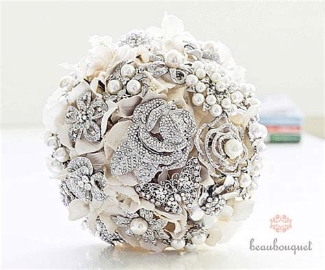 flower wedding brooches 11 wedding bouquets that will never wilt bravobride