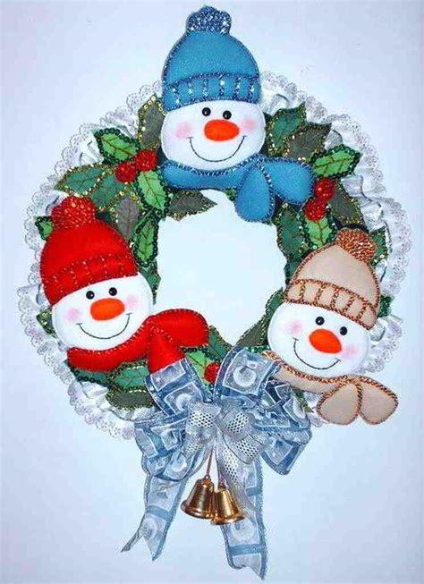 coronas navideas de fieltro patrones y moldes de coronas y pinguinos en fieltro gratis