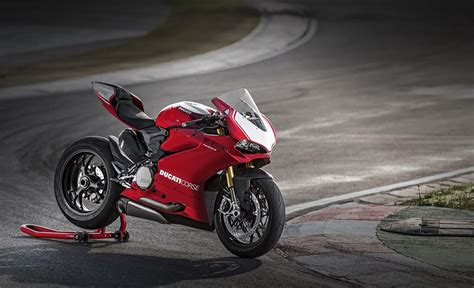 150 M To Ft by Ducati 1299 Panigale Laptimes Specs Performance Data