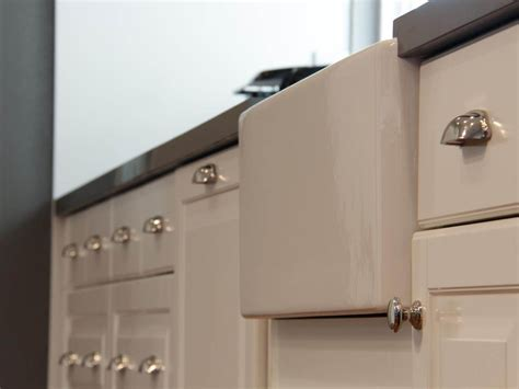 Kitchen Cabinet Handles by Kitchen Cabinet Pulls Handles Of How To Choose Kitchen
