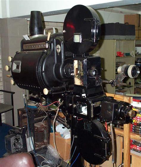 Proyektor 35mm Program Information