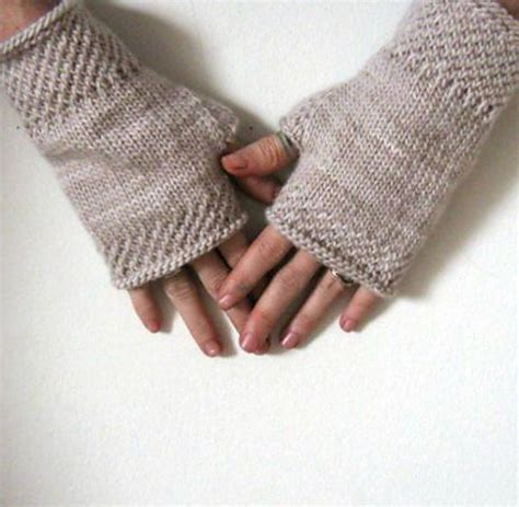 wrist warmers free knitting pattern knitting patterns galore honeycomb wrist warmers knit