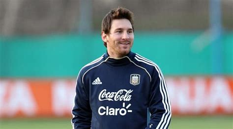 lionel messi  growing  red beard  injury recovery