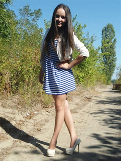 mini young models foto menina obcecada por selfie morre eletrocutada ao tentar