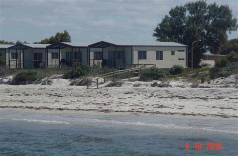 Holiday Cabins At Arno Bay Caravan Park On Eyre Peninsula   arno bay photos featured pictures of arno bay south