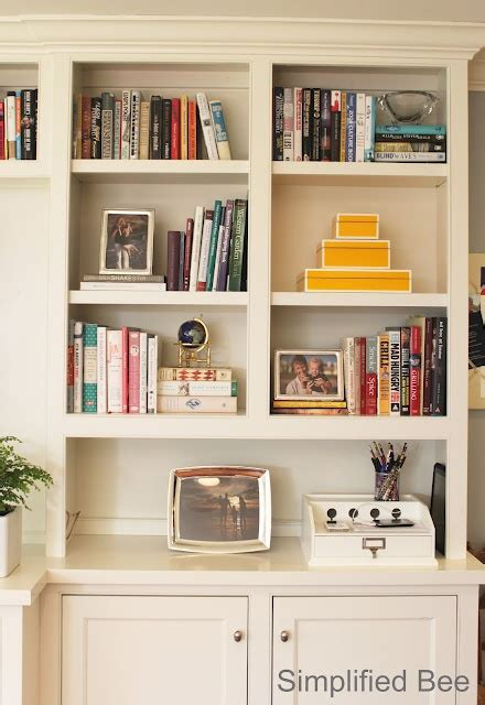 43216 White Summer before after bookshelf styling for the home