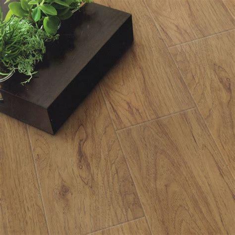 piastrelle in pvc pavimenti in pvc effetto legno pavimentazioni i