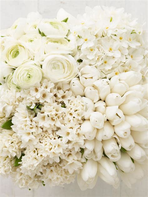 White Flower Wedding Arrangements by A Vision In White The Monochromatic Checkerboard Hgtv