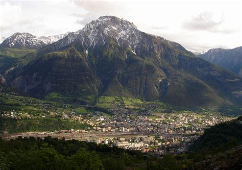 lavoro cameriere svizzera lavoro in sala in svizzera a briga thegastrojob