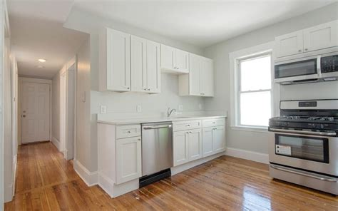 3 bedroom apartments boston five three bedroom apartments for 2 500 or less per month