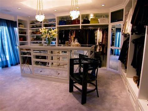 kris jenner bathroom best 25 kris jenner house ideas on pinterest kris jenner home kris jenner bedroom