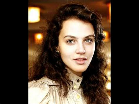 black mirror abi khan jessica brown findlay anyone who knows what love is