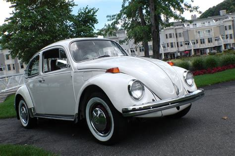 volkswagen bug white 187 1972 vw beetle bug sedan pastel white