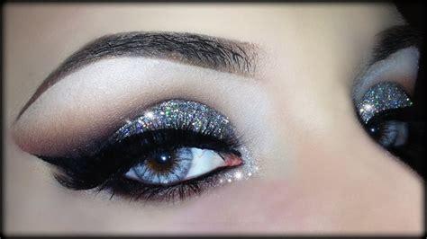 Eyeshadow Glitter cut crease 3d silver glitter