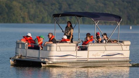 how much does a pontoon weigh how much does an 18 foot pontoon boat weigh reference