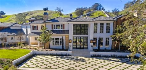 L Mansion by See Inside The Weeknd S New L A Mansion He Purchased For