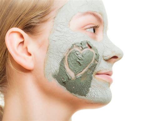 Masker Wajah Lumpur cara mengurangi minyak di wajah secara alami