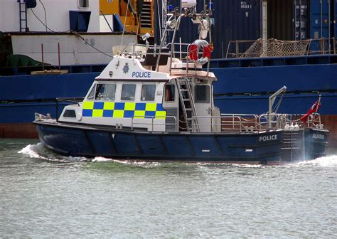 pictures of police boats file police boat at poole arp jpg wikimedia commons