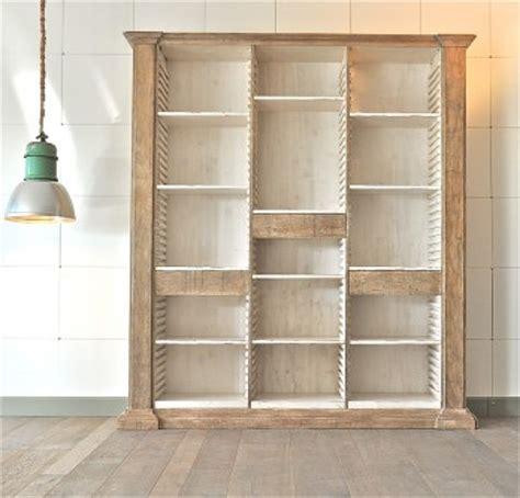 foto libreria foto libreria con ripiani e cassetti regolabili di