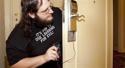 how to pick a bedroom door key lock black hat hacker gains access to 4 million hotel rooms
