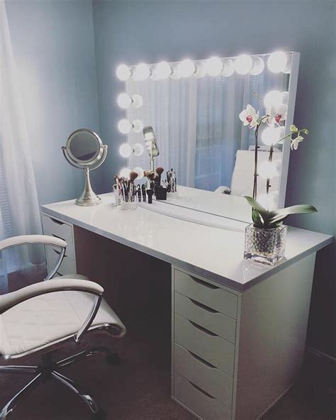 Vanity Desk Ikea Best 25 Ikea Makeup Vanity Ideas On Ikea White Vanity Desk
