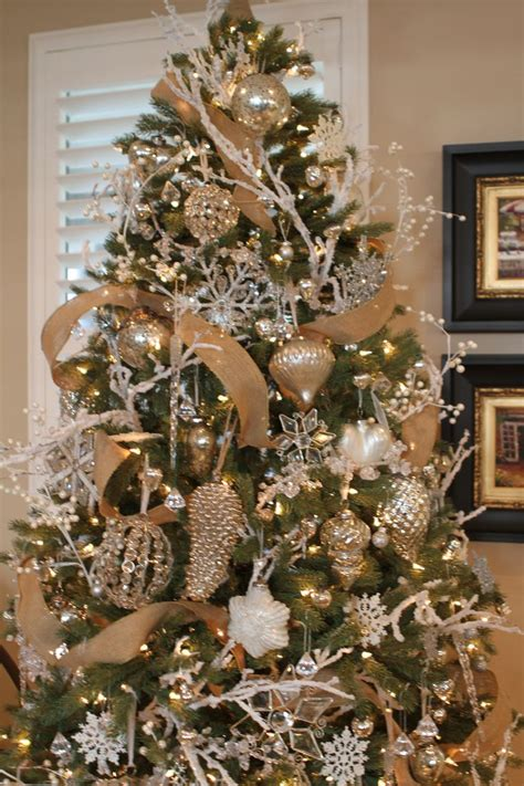 christmas tree decorated christmas trees pinterest