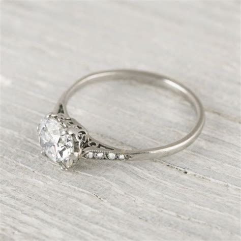 gorgeous engagement ring how simple yet