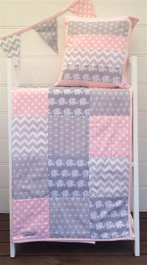 Cot Bed Patchwork Quilt - the 25 best cot quilt ideas on handmade baby
