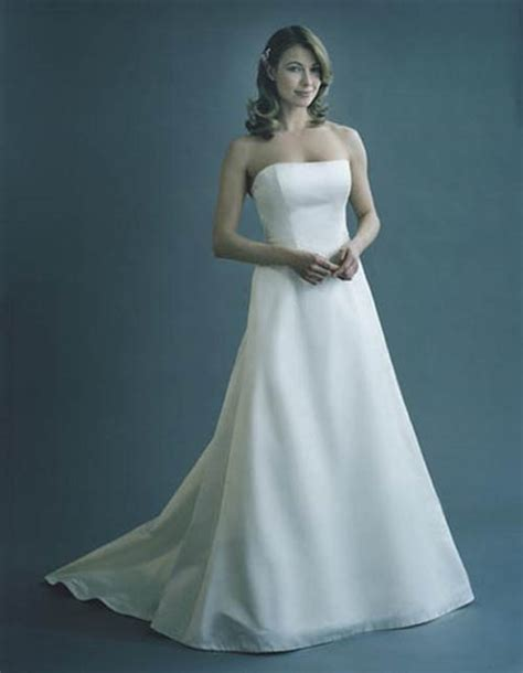 White Casual Wedding Dresses by Casual White Strapless Wedding Dress Sang Maestro