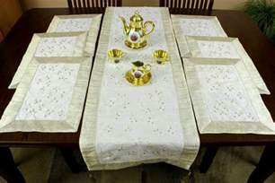 Table Runners And Placemats Sets - hand embroidered 7 piece placemat amp table runner set banarsi designs