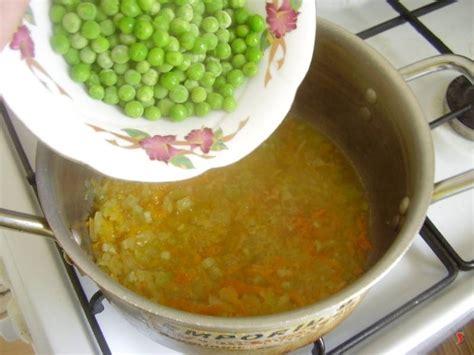 iniziare a cucinare minestra piselli minestra