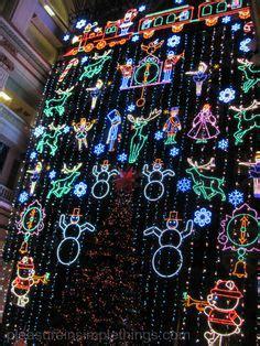 wanamaker light show tree and wanamaker organ philadelphia