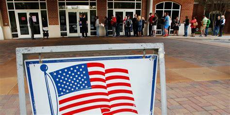 pr駸ident bureau de vote r 233 gionales les premiers votants arrivent dans les bureaux