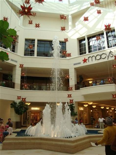 inside aventura mall picture of aventura mall, aventura