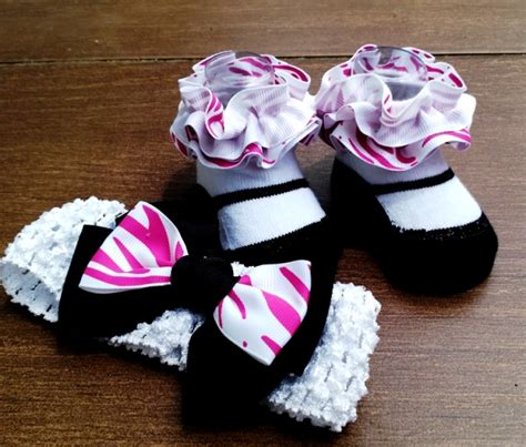 Baby Prewalker Mickey Mouse Sepatu Bayi Merah 0 6 Bulan sepatu prewalker lucu