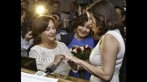 Marriage Records Broward Marriage Begins With Elated Couples Weddings In Wee