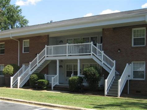 one bedroom apartment raleigh nc shamrock apartments raleigh nc apartment finder