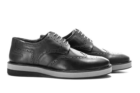 most comfortable black sneakers most comfortable mens brogues cushioned maratown