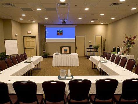 gambar layout ruang rapat menyediakan layanan ruang rapat pengertian dan jenis